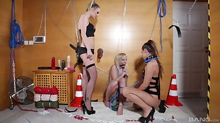 Amirah Adara adores BDSM and all sexy lesbian games with her friends