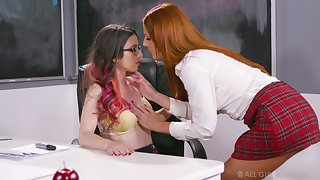 Ginger sophomore student Scarlett Mae gives a cunnilingus to nerdy teacher in glasses