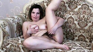 Amateur drunk chick lost control masturbate on webcam