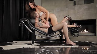 Shapely MILF India Summer introduces a young man to pegging