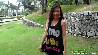 Thai whore Nang flashes her nice cock sucking skills on dude's cam