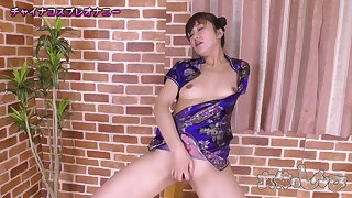 Japanese lewd babe plays with her pussy