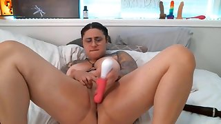 Always cheerful Mamacita is looking for ways to gets orgasm