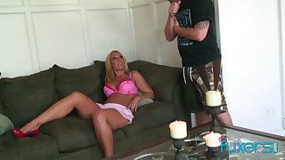 Curvy blond hooker licks sperm off hard cock after a steamy pussy pounding