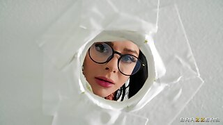 Tight woman tries gloryhole perversions on cam