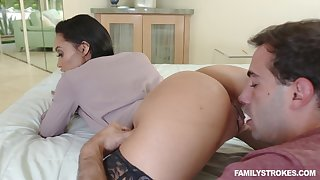 Long legged domineer brunette MILF Gia Vendetti fucked in stockings
