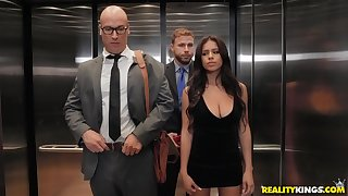 Take a nosedive Falls fucked by her husband's employee in an elevator