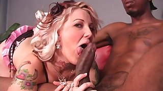 Candy Monroe swallows a cumshot greatest extent discreditable say no to cuckold