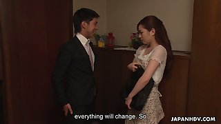 Constantly simmering Japanese become man Emi Sasaki loves fingering her wet pussy
