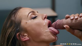 Abigail Mac adores strong orgasm and her friend's juice on her face